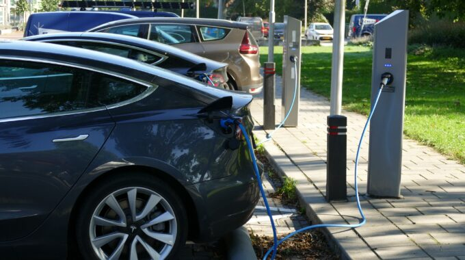 What Are the Different Types of Electric Cars?–RAB